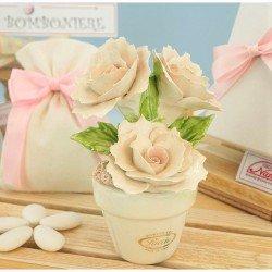 Bomboniere Matrimonio Capodimonte Vasetto con tre Rose